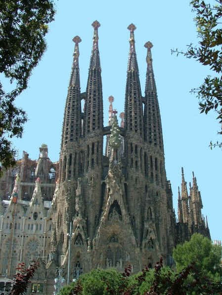 The Sagrada Familia - an icon of Barcelona (Click to view larger version...)