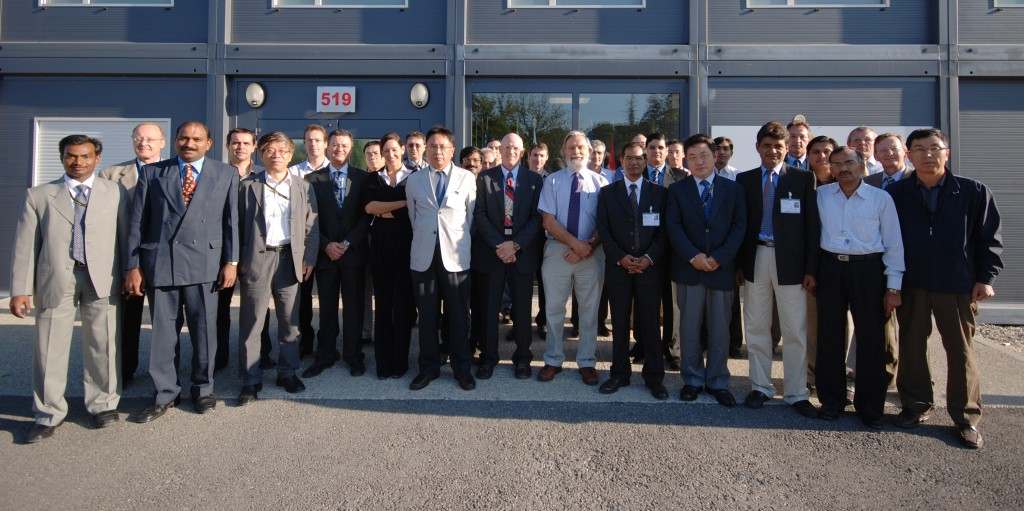 The participants to the conceptual design review of ITER's cooling water systems. (Click to view larger version...)
