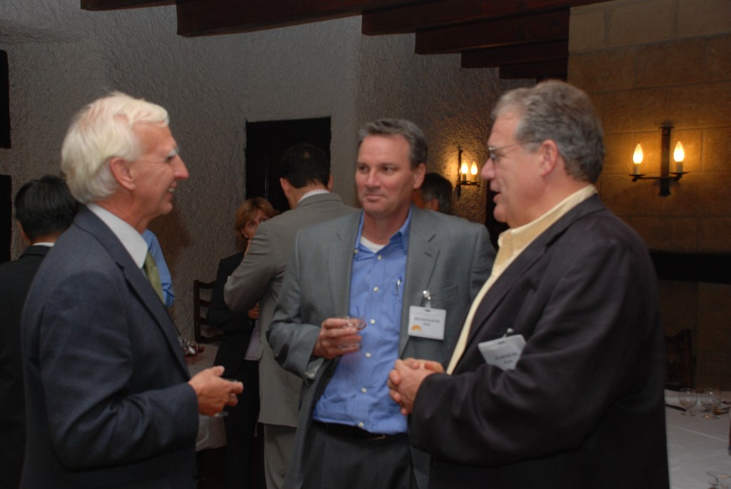 Frank Briscoe (left) talking to Panel members Mark Reich and Kem Robinson from the US during a dinner reception this week.   (Click to view larger version...)