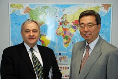 Mr. Kyösti Virrankoski, MEP, and ITER Nominee Director General Kaname Ikeda. (Click to view larger version...)