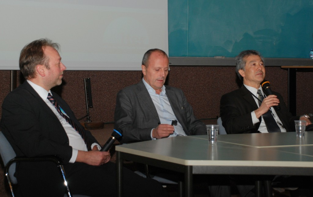 It was a privilege for the public of the 7th Inside ITER seminar to hear the negotiation story told by three of its participants: Akko Maas, Paul-Henry Tuinder and Hiroshi Matsumoto (from left).  (Click to view larger version...)