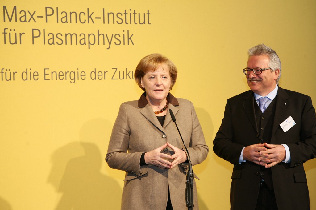 German Chancellor Angela Merkel posing for the cameras with IPP Director Guenther Hasinger in Greifswald on Monday. Photos: Anja Richter Ullmann/IPP (Click to view larger version...)