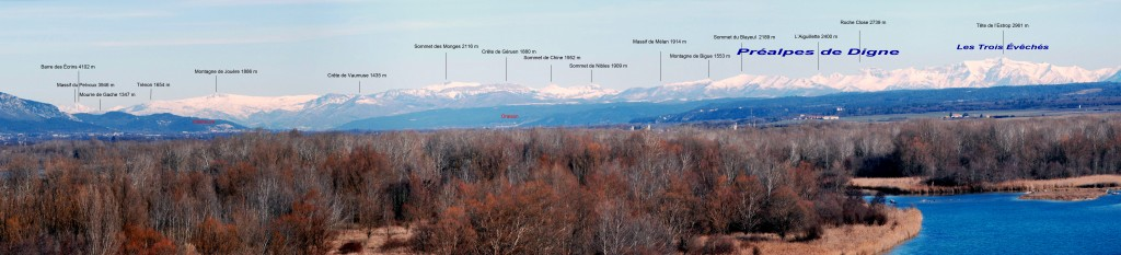 To the north, one can see as far as the 4,100-metre-high Barre des Écrins, more than 150 kilometres away. (Click to view larger version...)