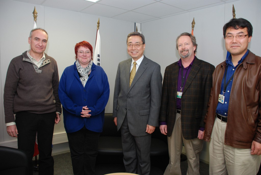 The elected ITER Staff Representatives: Bertrand Beaumont, Doris Spiegel, DG Kaname Ikeda, Craig Taylor and Chang Shuk Kim. (left to right). Not pictured: So Maruyama.