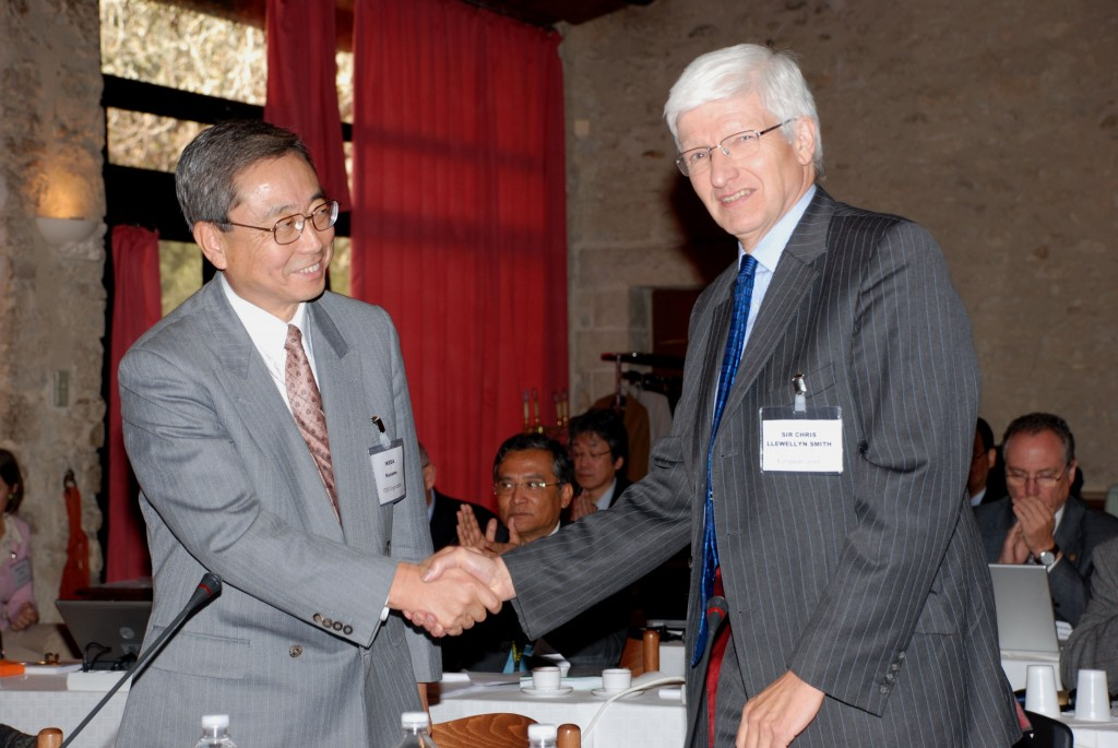 Sir Chris Llewellyn Smith (right) and ITER Director-General Kaname Ikeda at the first Council Meeting in November last year.