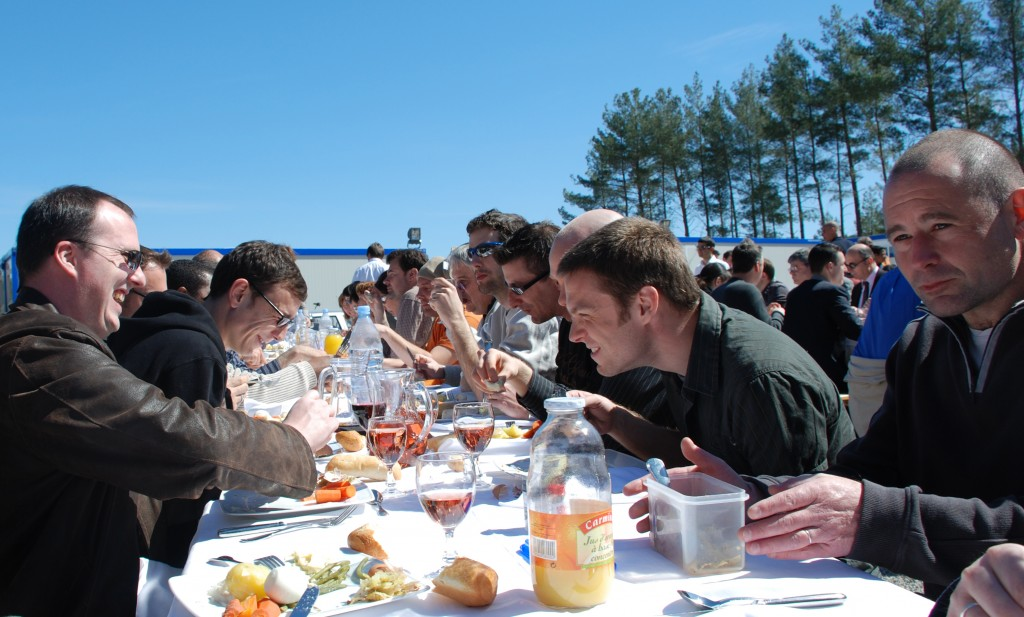 Blue sky and Aioli - the ITER team enjoying the trademarks of Southern France. (Click to view larger version...)