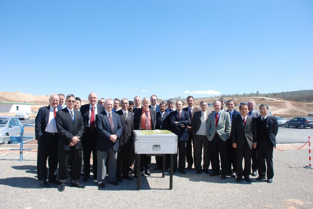 The members of the Technical Advisory Group on the ITER construction site. (Click to view larger version...)