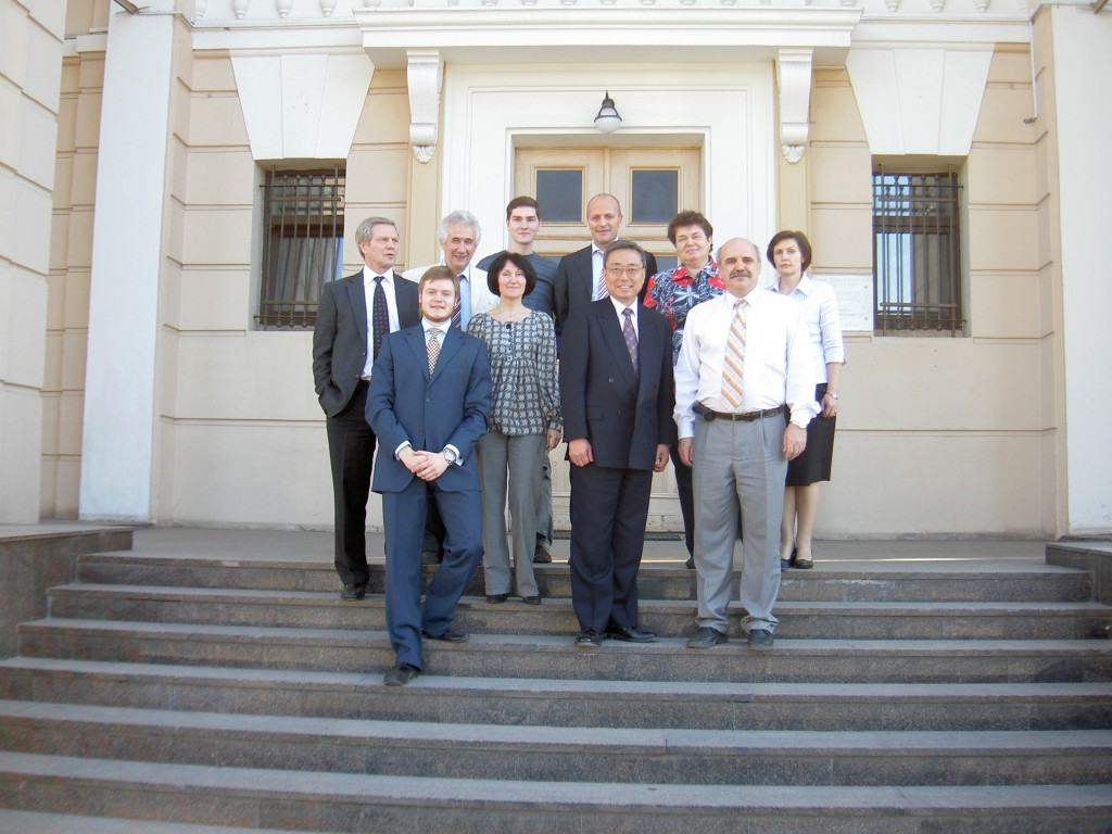Posing for the photographer (from left to right, first row): Communications officer Alexander Petrov, Office Manager Olga Polevaya, DG Kaname Ikeda, Anatoly Krasilnokov, Head of the Domestic Agency; (second row) Vladimir Vlasenkov, Igor Semenov (IT), Sergey Kuz'minov (IT), Harry Tuinder, Tatyana Koroleva and Natalya Mokeeva, both from the Finance Department. (Click to view larger version...)