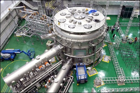 The Korean superconducting tokamak KSTAR. (Click to view larger version...)