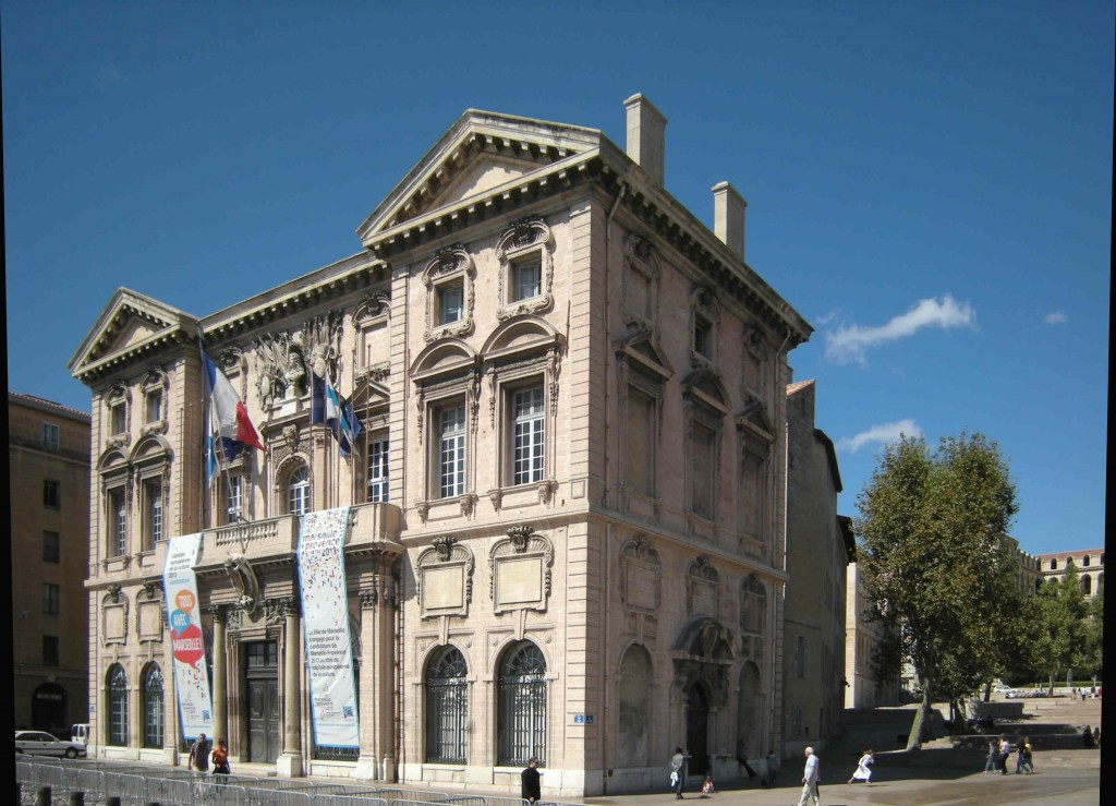 Marseilles' 17th century City Hall. (Click to view larger version...)