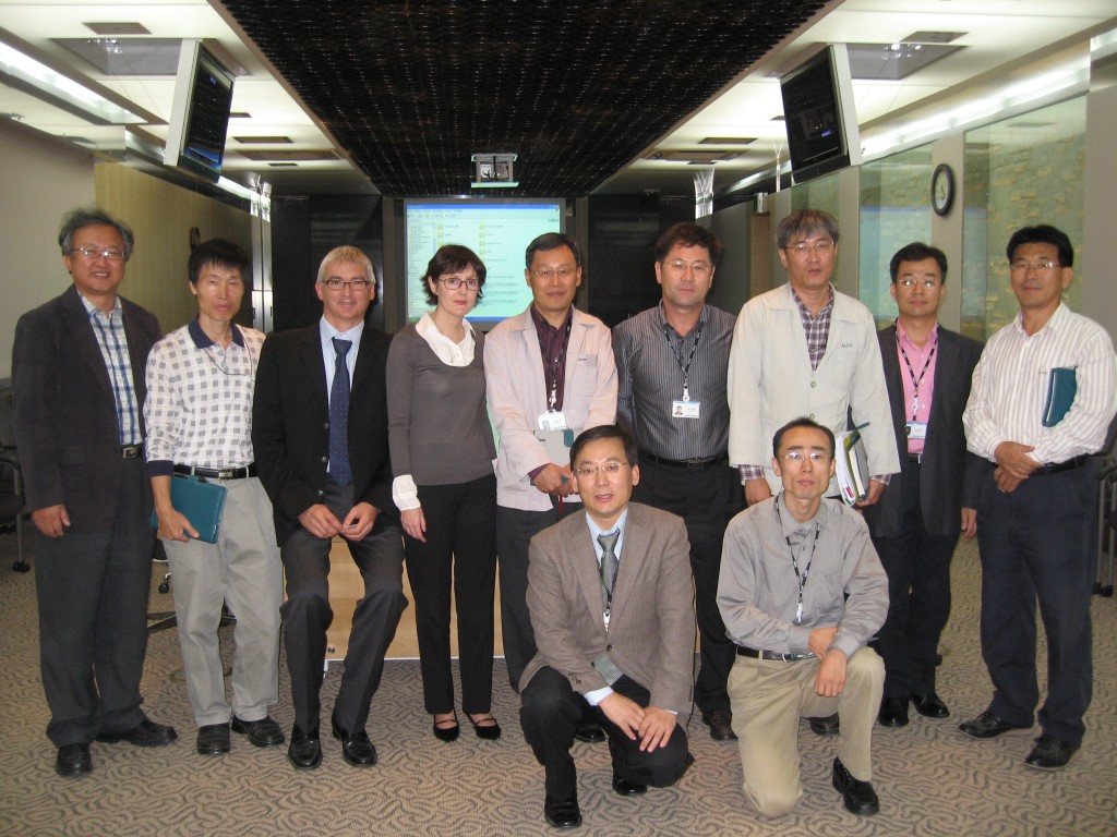 The ITER delegation with the KAERI hot cell team. On the left: Myung Ro Kim, Head of the International Cooperation Team, and Bernard Vignau from CEA/Marcoule (Atalante hot cells).