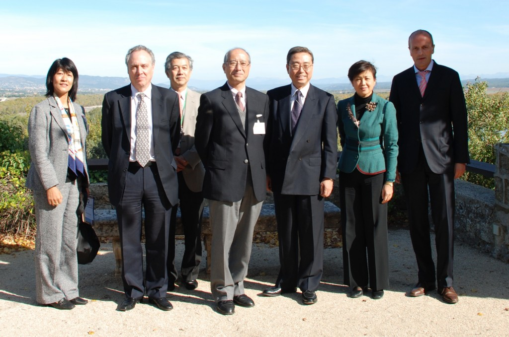 In the picture, from left to right: Naoko Okamura, Carlos Alejaldre, Hiroshi Matsumoto, Nobutake Odano, Kaname Ikeda, Sachiko Ishizaka, and Harry Tuinder. (Click to view larger version...)
