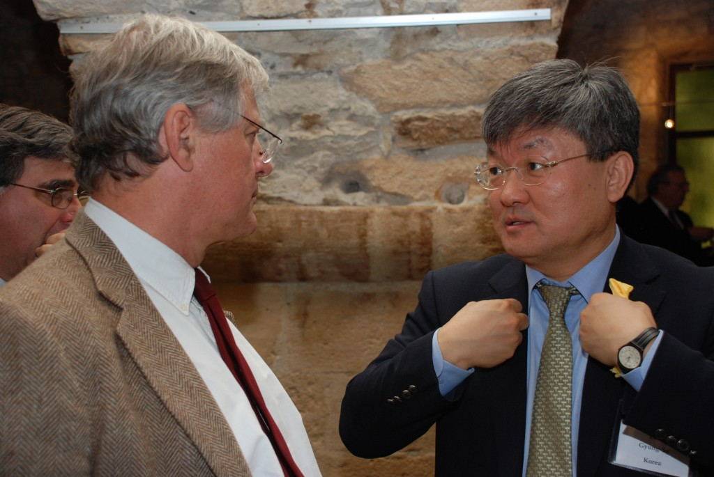 US ITER Head Ned Sauthoff, speaking with GS Lee, the former Head of ITER Korea, now president of the National Fusion Research Institute. (Click to view larger version...)
