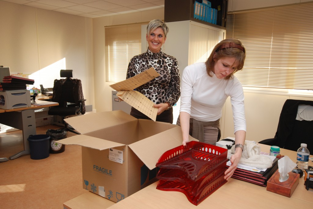 The Grand Unpacking, starring Brigitte Angelini and Aline Buchet, Finance & Budget.