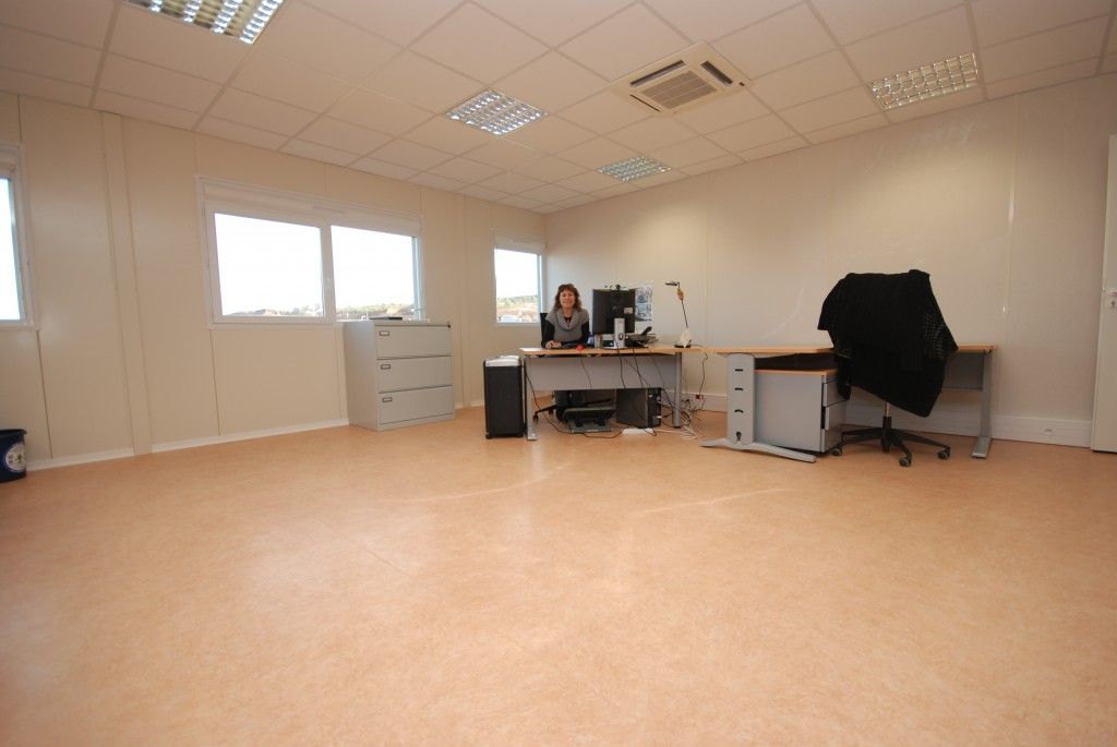 Violette André now has a lot of office space ... (Click to view larger version...)