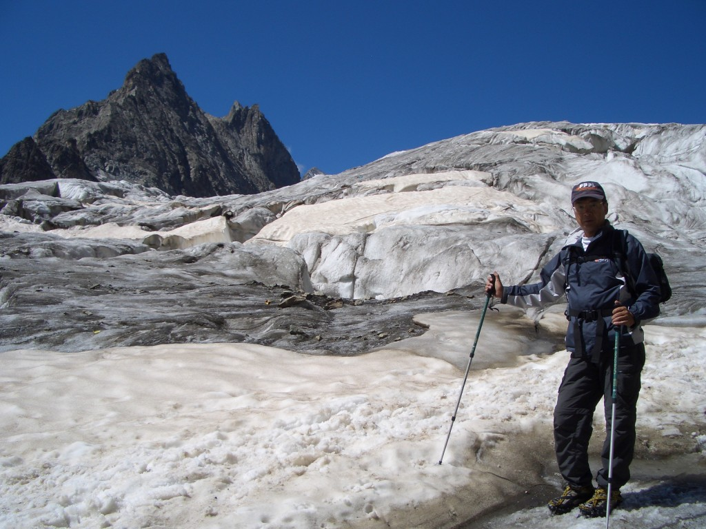 A passion for hiking—here on the Glacier Blanc, at an altitude of 3,000 metres in the Écrins National Park. (Click to view larger version...)