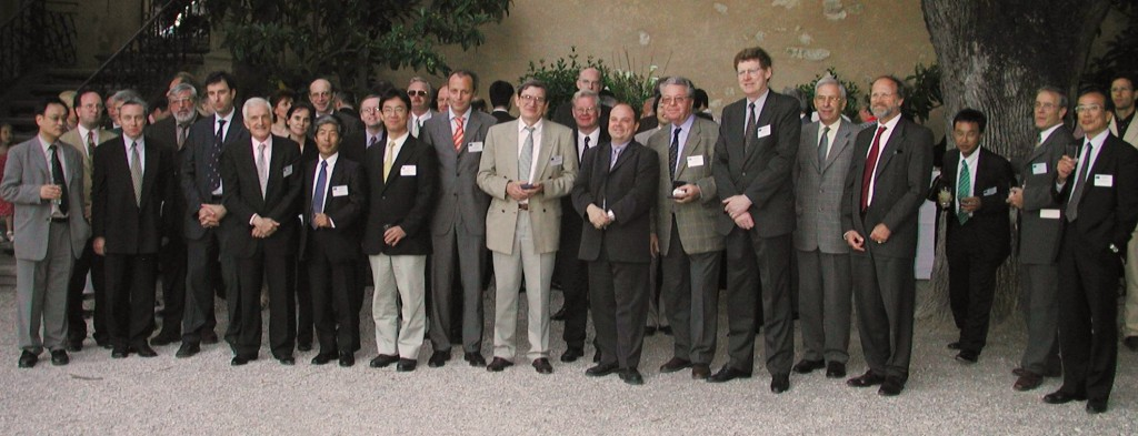 The participants  to the third NSSG Meeting— among them Robert Aymar, Jean Jacquinot, Hiroshi Kishimoto, Vitaly Korzhavin, Pietro Barabashi and Harry Tuinder—that took place in Cadarache, 13-15 May 2002. (Click to view larger version...)