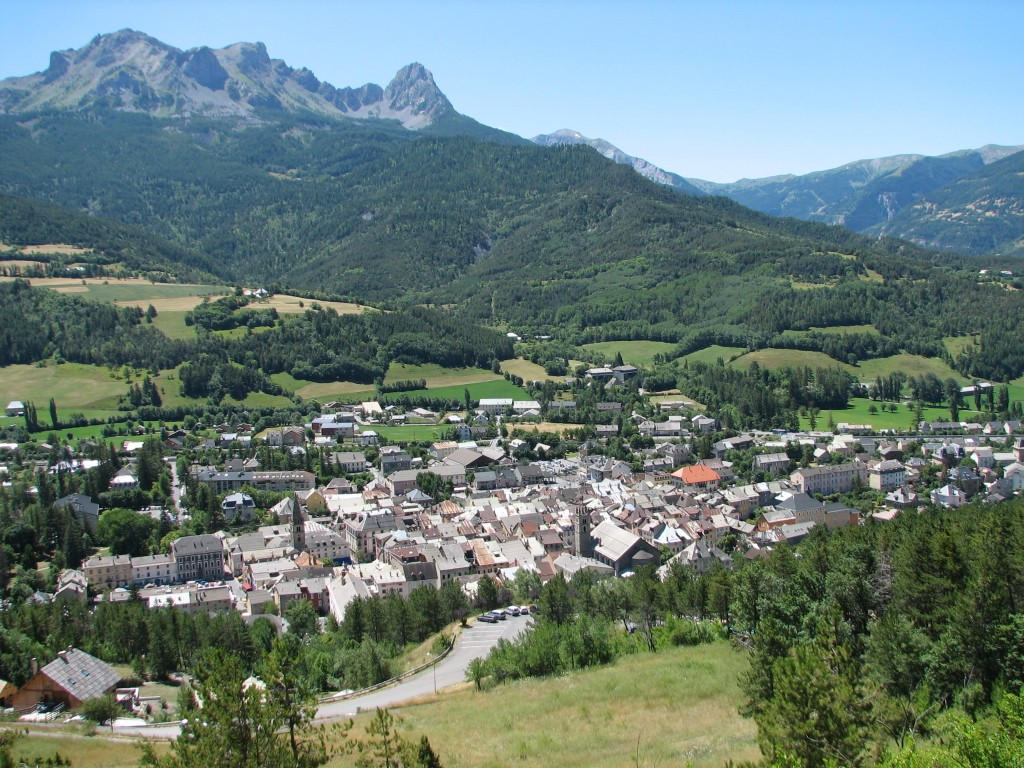 From Barcelonnette and the nearby villages, more than half of all young men emigrated to Mexico in the second half of the 19th century. (Click to view larger version...)