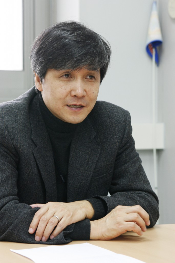 Myeun Kwon, Director of the KSTAR Research Centre. (Click to view larger version...)